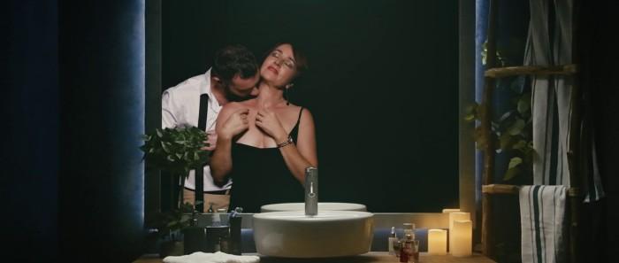 """Rosa Maria Diaz y Dani Rebollo en """"La Mujer Invertida"""", película dirigida por Santi Planet."""